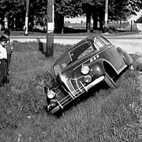 car-ditch-1.jpg