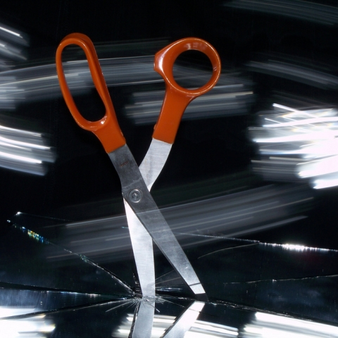 thumb_scissors-9918311n02-by2.0-1.jpg